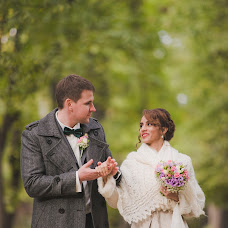 Wedding photographer Katya Tyumeneva (kissandsmile). Photo of 12.02.2016