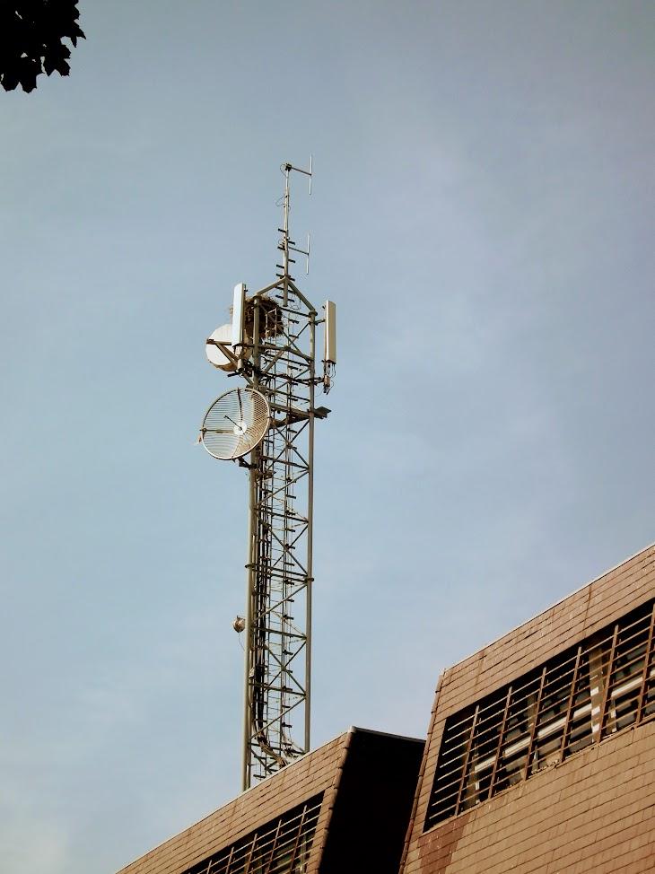 Szigetvár/Telekom torony - helyi URH-FM adóállomás