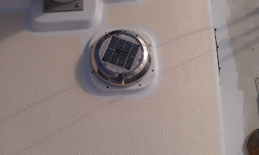 Photo: close up of installed fan.