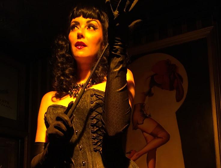 The burlesque show at Nurse Bettery