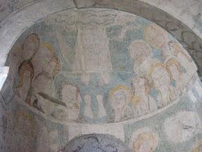 Photo: Martinskirche Neckartailfingen: In der südlichen Apsis, der Maria-Magdalenen-Kapelle, eine Himmelfahrtsszene (um 1300)