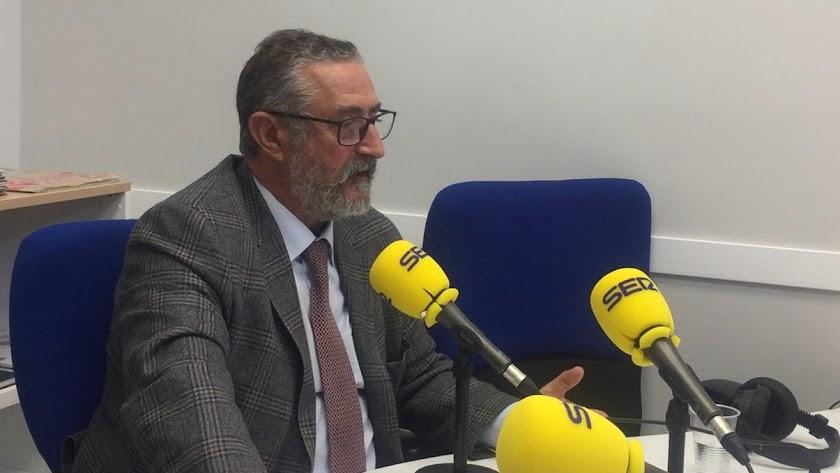 El alcalde albojense ha criticado duramente a los partidos presentes en el audio.