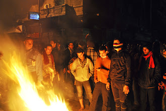 Photo: Protesters keep warm in the frigid night air on Mohamad Mahmoud St.