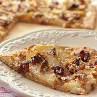 White Pizza with Walnuts, Pears and Balsamic Glazed Figs – and a Secret!.