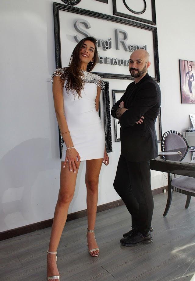 Sergi Regal presenta a la Miss Word Almería 2020, Ana García Segundo.