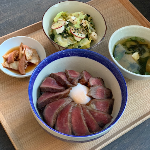 Dry aged steak with truffle rice bowl
