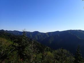 巡る稜線を見る(三国岳・経ヶ岳・イチゴ谷山など)