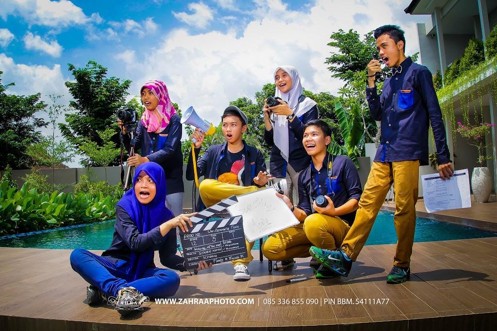 Konsep Pose Keren Foto Year Book - Buku Tahunan sekolah - BTS - Fotografer - photographer - Photografer - Jember -