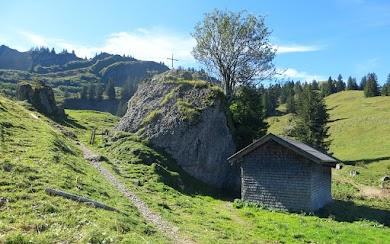 Foto: Obere Siplinger Alpe Blick Richtung Heidenkopf auf den Weg zu den Siplinger Nadeln