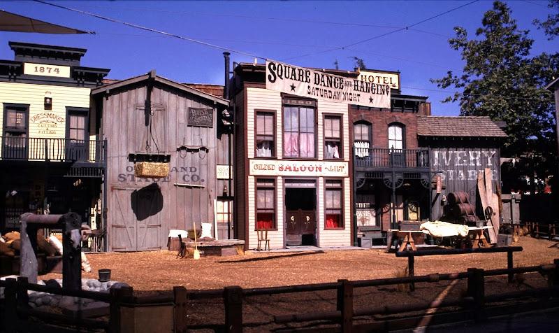 Photo: Ville reconstituée au Far West