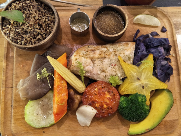 新竹養身餐廳:腰果花砧板原食料理