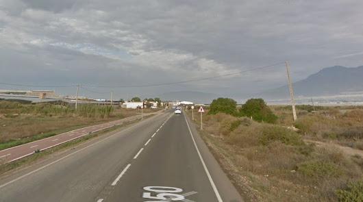 Cuatro heridos tras colisionar dos coches en El Ejido