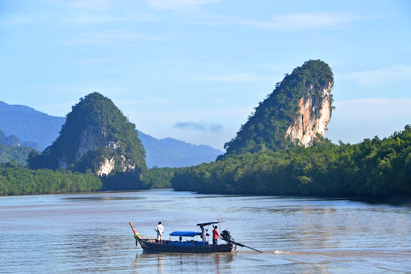 Krabi River cruise by traditional longtail boat