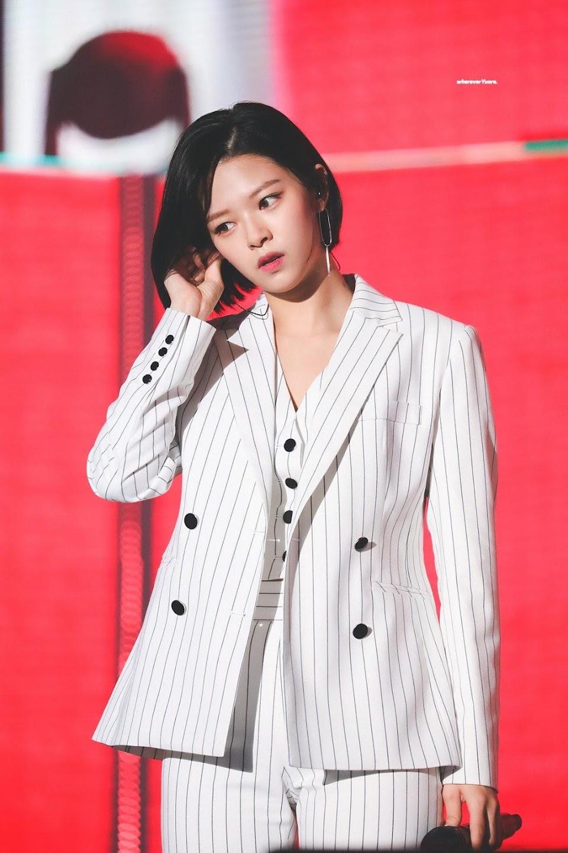 jeongyeon suit 30