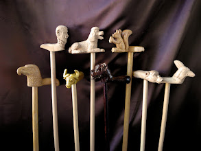 Photo: Ocho bastones. Talla en madera. Woodcarving.   Para leer algo más en relación con esta obra ir al blog: http://tallaenmadera-woodcarving-esculturas.blogspot.com/2015/11/ocho-bastones.html