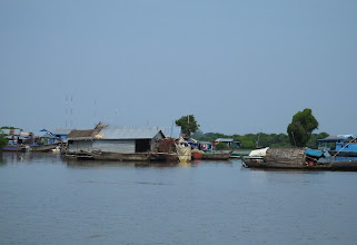Photo: Floating homes on the Tonle Sap