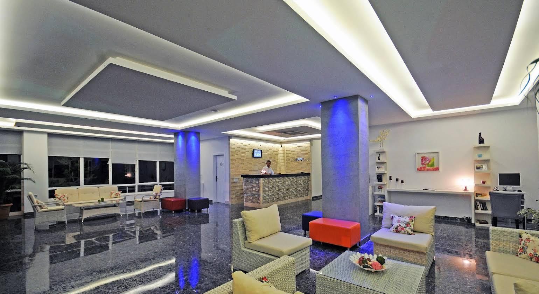 Blue Palace Apart Hotel
