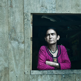Framed! by Anirban Chakladar - People Street & Candids