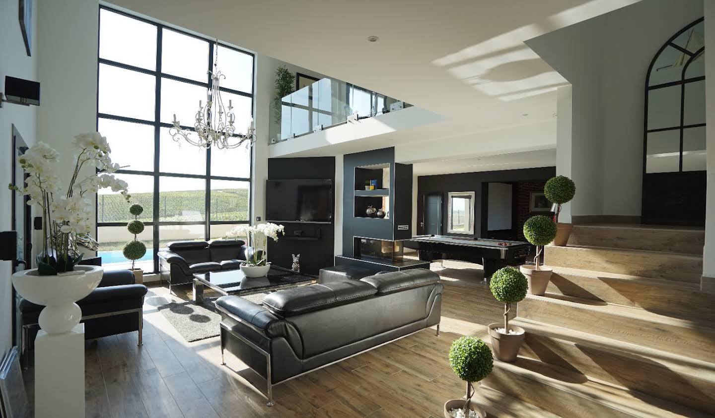 Maison avec piscine et terrasse Bezannes