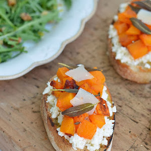 Roasted Pumpkin and Cream Cheese Bruschettas