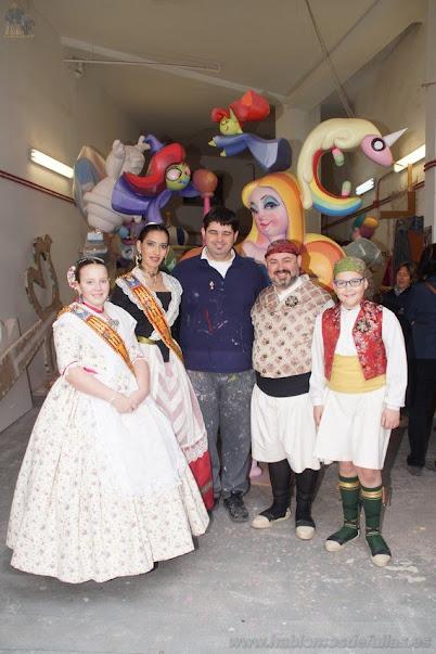 Leones - Poeta Más i Ros visita el taller de Vicente Francisco Lorenzo Albert