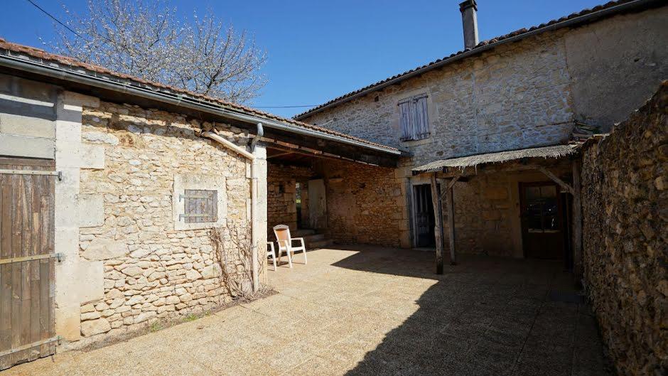Vente maison 3 pièces 85 m² à Varaignes (24360), 91 000 €