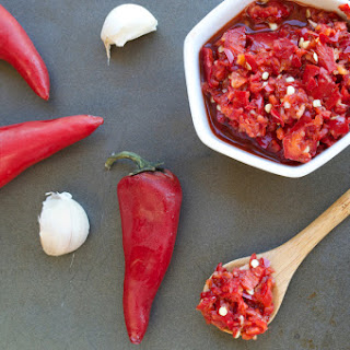 Paleo Chili Garlic Sauce