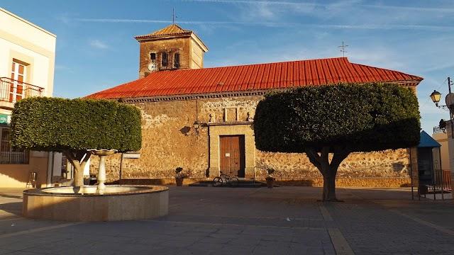 Plaza de la iglesia de Enix.