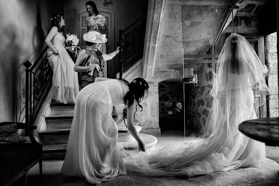 Wedding photographer Marius Barbulescu (mariusbarbulesc). Photo of 03.02.2017