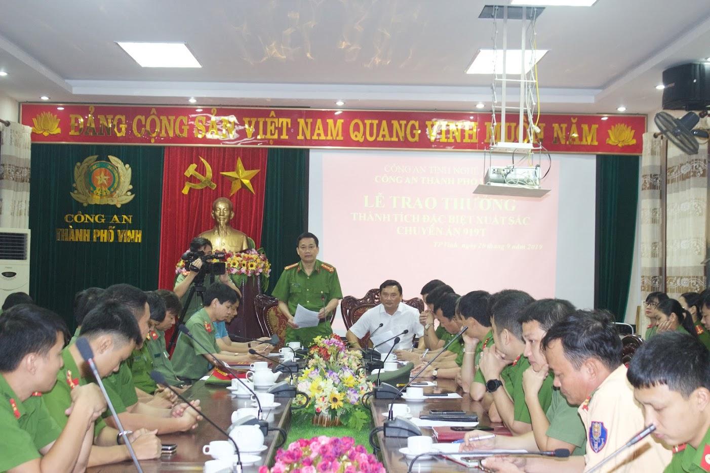 Đ/c Đại tá Nguyễn Mạnh Hùng, Phó Giám đốc Công an tỉnh phát biểu tại Lễ trao thưởng.