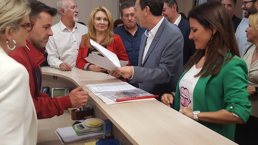 PSOE: el censo de las primarias sigue sin llegar a los precandidatos