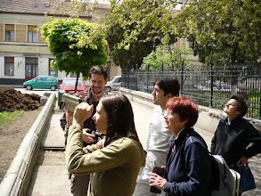 Photo: Fekete Sas Palotát csodálva
