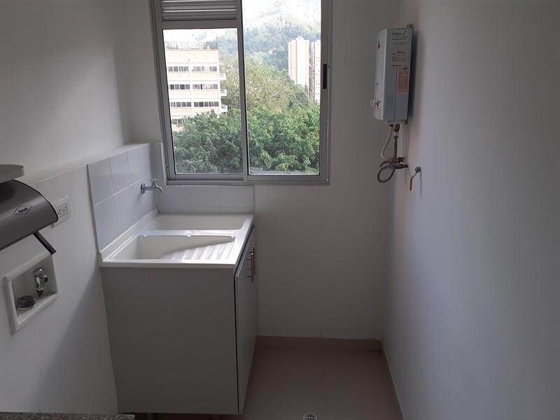 apartamento en arriendo la doctora 679-26228