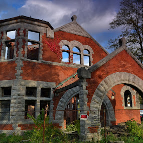 Lockports' Union station by Thomas Fitzrandolph - Buildings & Architecture Decaying & Abandoned ( train station, nikon d3100, niagara county ny, romanesque archetecture, lockport ny, abandoned,  )