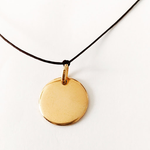 collier-medaille-plaque-or