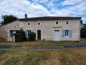 maison à Mosnac (17)