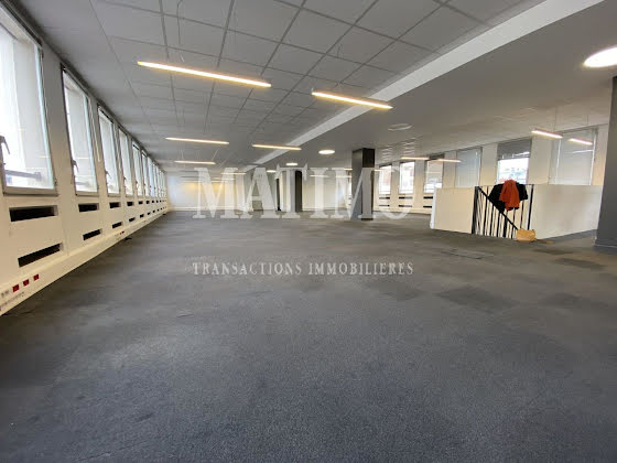 Location divers 369 m2
