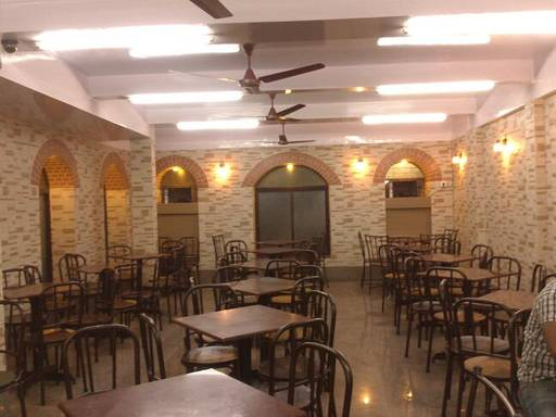 breakfast-places-in-pune-cafe-yezdan_image