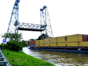 Photo: Nicht Klapp-, nicht Zugbrücke. Einfach nach oben.