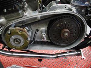 Trasmission primaire de l'ex moto de JF Balde restaurée par Machines et moteurs, le spécialiste de la moto anglaise classique