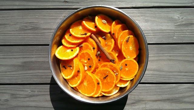 煮る前の鍋の写真