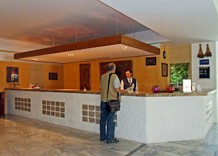 Photo: Hotel Dionysos - Ixia  www.loki-travels.eu