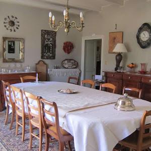 la-salle-a-manger-de-la-table-dhotes-du-clos-de-la-garenne-17700-pres-de-la-rochelle