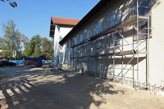 Photo: eingerüstete Hallenfront
