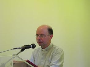 Photo: It.s1P21-141007Père Gennaro, vice directeur Sanctuaire N.D. du Rosaire à Pompéï, sur historique du centre  IMG_5557