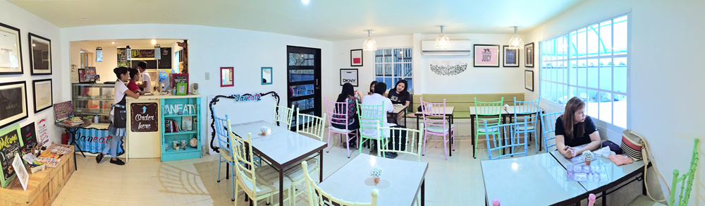 Vaneaty Resto Cafe Interior