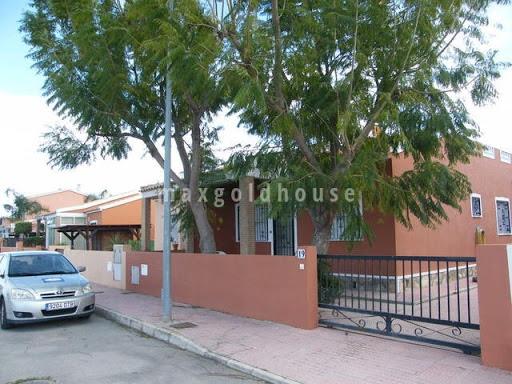 Daya Nueva Semidetached Villa: Daya Nueva Semidetached Villa for sale
