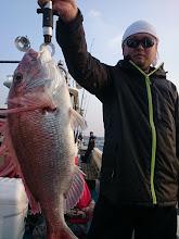 Photo: いいサイズ! ベッピン真鯛キャッチ!