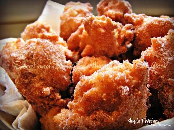 Apple Fritters - Dee Dee's