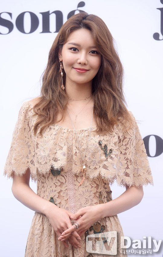 sooyoung gown 32